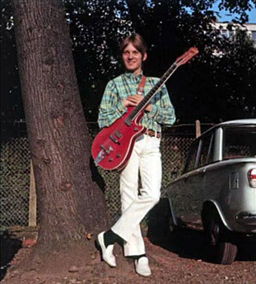 Steve Marriott, red guitar